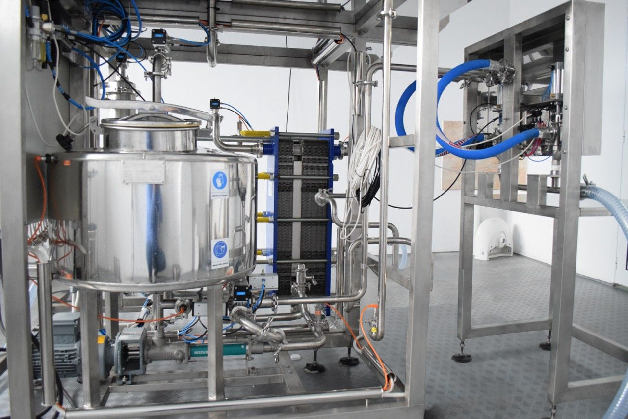 milk pasteurizer with filling machine