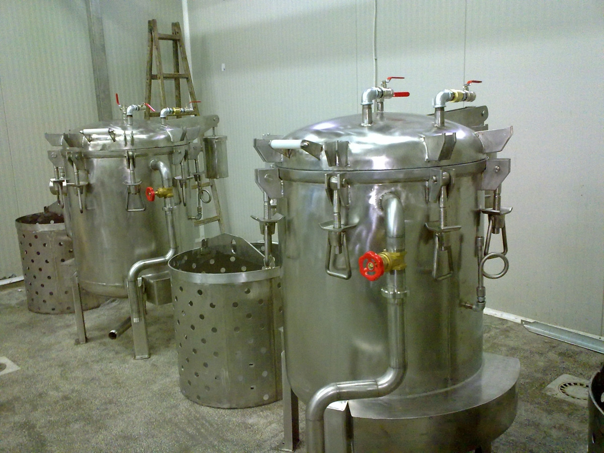 vertical autoclave for sterilization